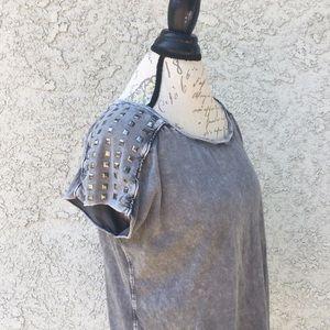 Rock & Republic Kohl's Stud Gray T-shirt Blouse 👚